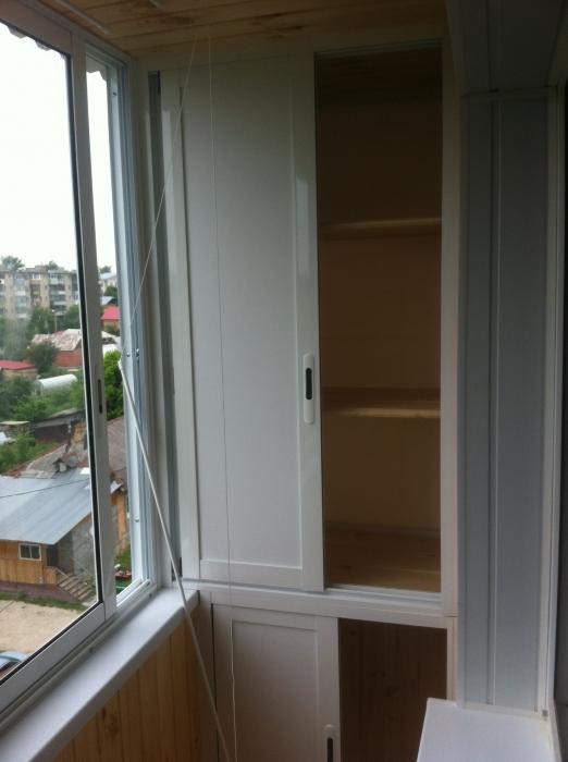 """Встроенная мебель на балкон - современная мастерская """"дримха."""